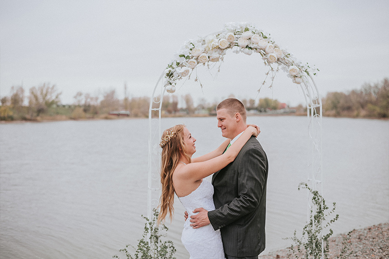 tóparti esküvő